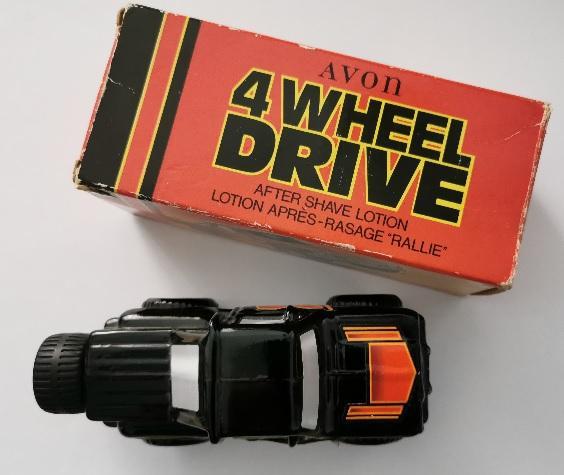 Avon flacon 4 wheel drive black suede