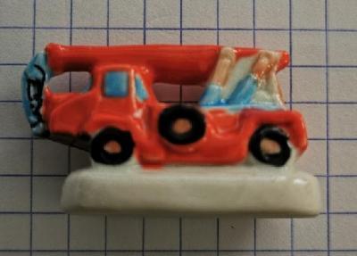 Feve pompier camion grue 0003