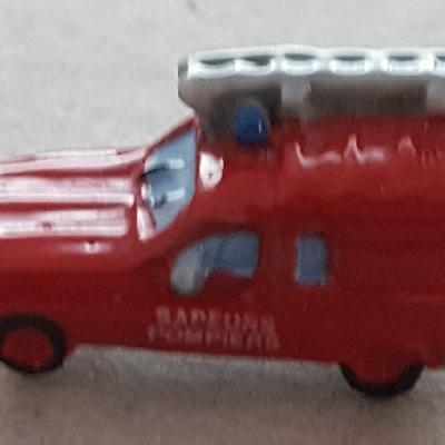 Feve renault 4l pompier 2011