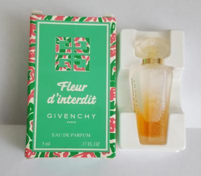 Givenchy fleur d interdit
