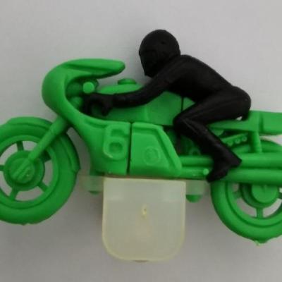 Kinder ancien moto n 6 vert 1984