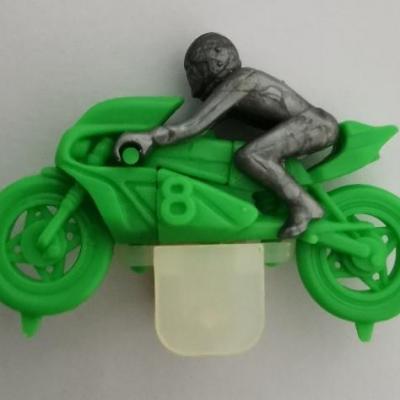 Kinder ancien moto n 8 vert 1984 a