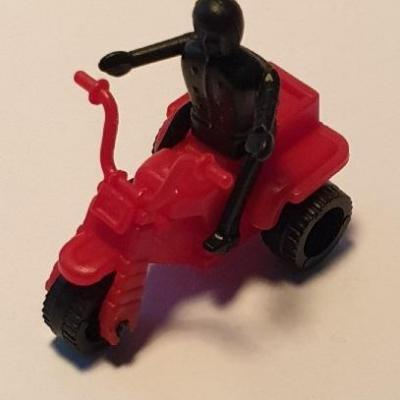 Kinder montable trikes 1985